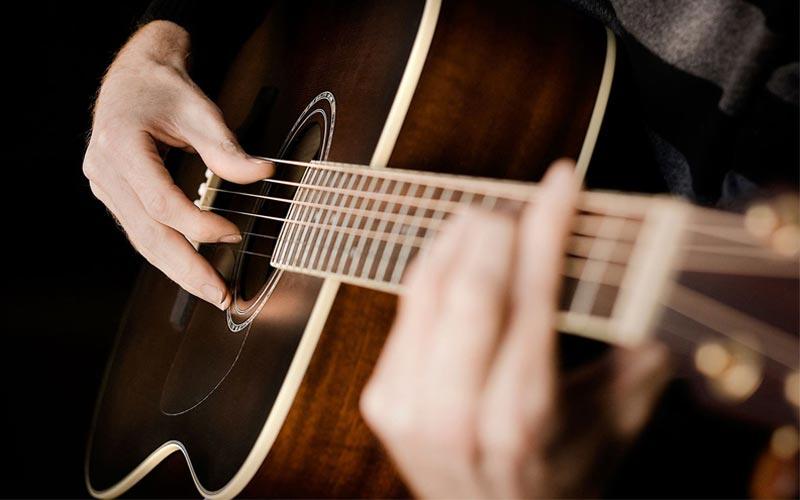 کلاس آموزش گیتار